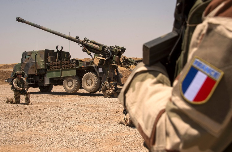 قاعدة عسكرية فرنسية في الرقة