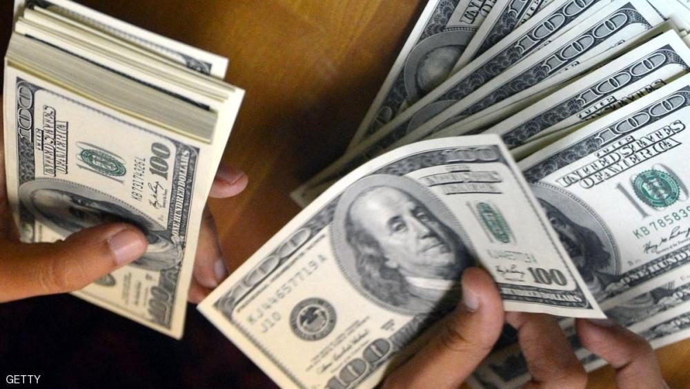 إغلاق الخميس: الدولار يعكس اتجاهه مقابل الليرة