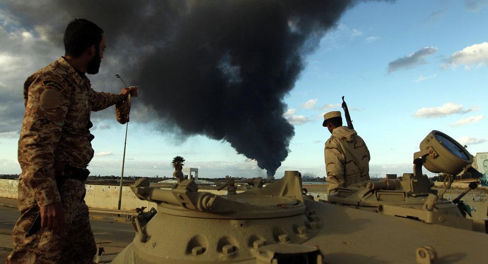 ليبيا.. النيران تلتهم 400 ألف برميل نفط في رأس لانوف!