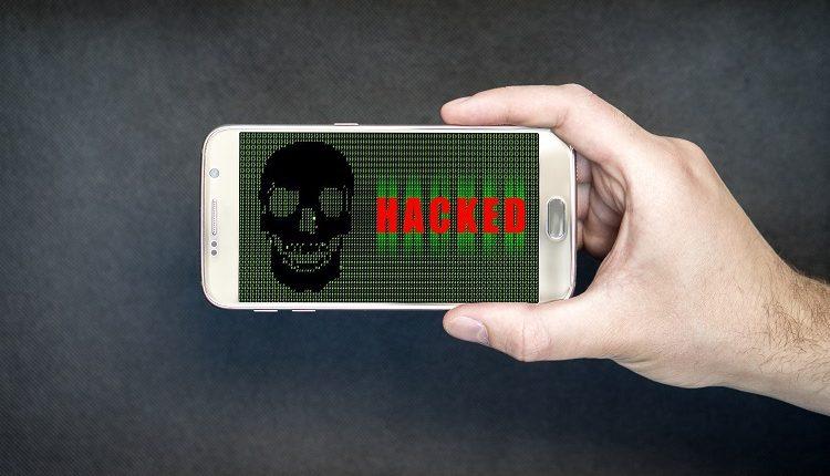 علامات في هاتفك تحذرك من