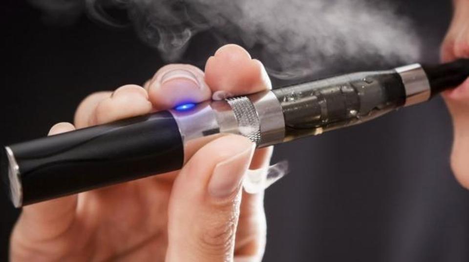 دراسة: السجائر الإلكترونية تتلف خلايا جهاز المناعة