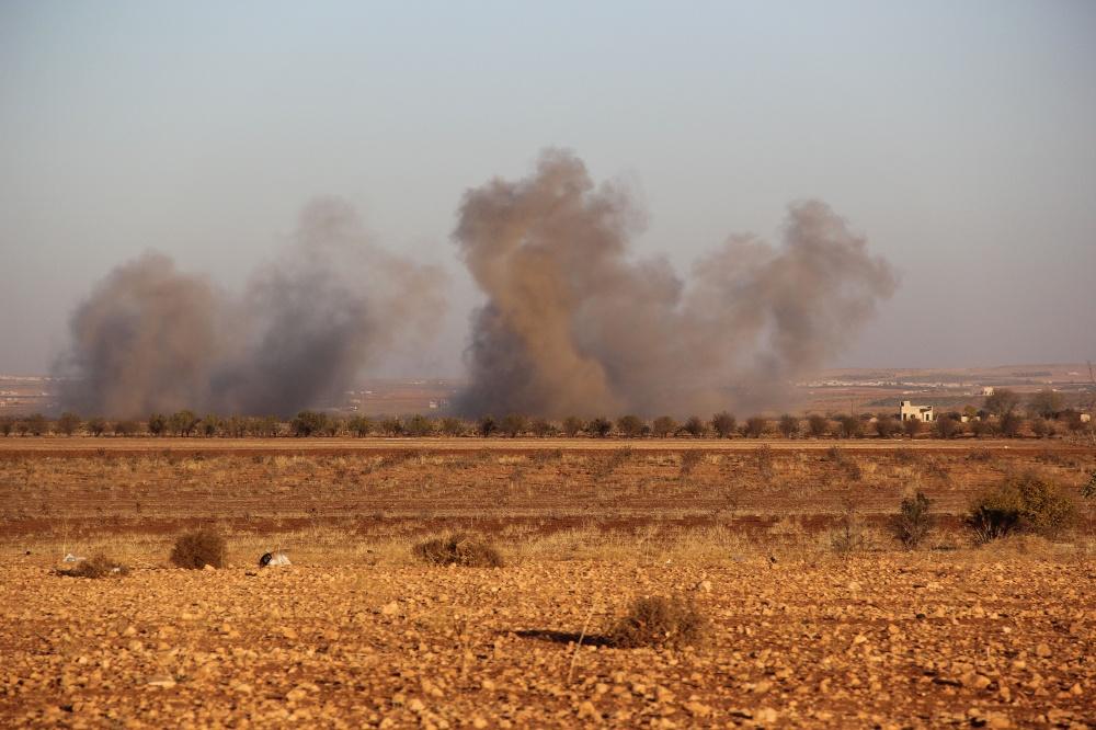 بين ريفي حماة وإدلب.. عملية عسكرية تقتل وتجرح 20 عنصرا لقوات الأسد والأخيرة تستبق مظاهرات الجمعة بالقصف مجددا