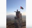 """تمثال لـ""""سليماني"""" جنوب لبنان.. إصبع خشبية صوب """"إسرائيل"""" ويد من دم في سوريا والعراق"""