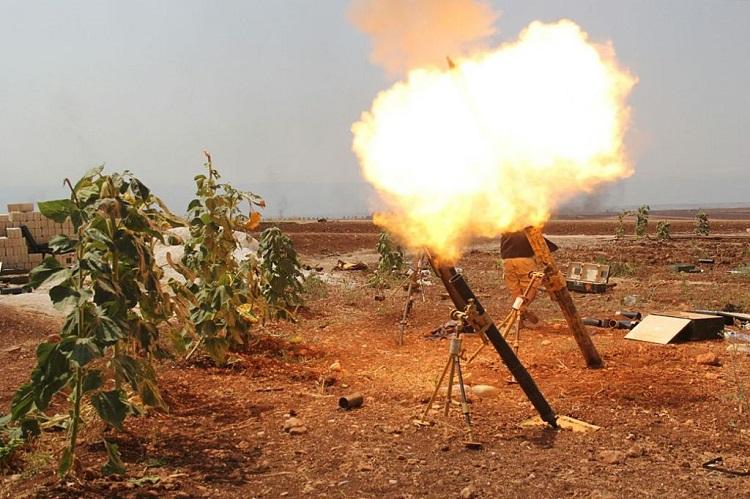 المقاومة تستعيد قرية وتوقع قتلى للنظام وتدمر آلياتٍ ثقيلة شمال حماة